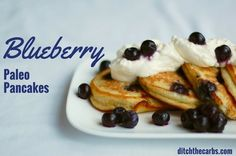 The ultimate easy blueberry paleo pancakes. Sturdy and impossible to fail. Sugar free, low carb, paleo heaven. | ditchthecarbs.com