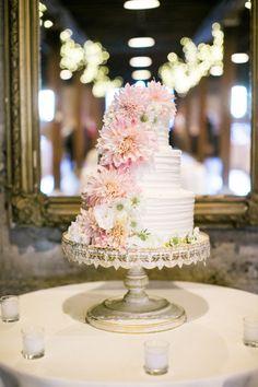 Fancy wedding cake: http://www.stylemepretty.com/california-weddings/livermore/2015/02/18/whimsical-autumn-wedding-at-murrietas-well/ | Photography: Jasmine Lee - http://jasmineleephotography.com/