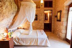 Ganhe uma noite no Luxurious stone villa in Crete - Vilas para Alugar em Chania no Airbnb!