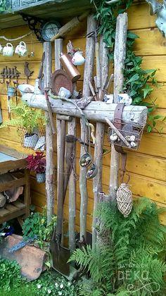 deko-aus-aesten-fuer-den-garten - - deko-aus-aesten-fuer-den-garten deco-of-tree branches-for-the-garden <!-- without result -->Related Post 55 sensationelle Balayage Haarfarbe Ideen Best Quic Old Garden Tools, Diy Garden Projects, Diy Garden Decor, Gardening Tools, Garden Ideas, Backyard Ideas, Modern Planting, Garden Modern, Old Trees