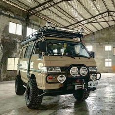 Transporter T3, Volkswagen Transporter, Motorcycle Camping, Camping Car, Hiace Camper, Vw Syncro, Overland Gear, Adventure Car, Kombi Home