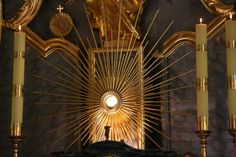"""""""God looks at me and I at him""""  St. John Mary Vianney about  Adoration"""