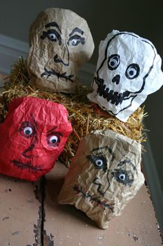 Fun Halloween ghoulish paper bag faces~ Party Decorations or party favor bag