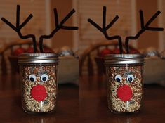 Food Christmas Craft Idea using a Mason Jar Mason Jar Crafts - Every year on Christmas Eve, cookies for Santa are always left out somewhere, but what about those cute little reindeer? Reindeer Food Christmas Craft Idea using a Mason Jar Diy Christmas Gifts, Kids Christmas, Holiday Crafts, Christmas Island, Christmas 2019, Christmas Cookies, Christmas Decorations, Baby Food Jar Crafts, Baby Food Jars