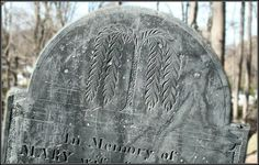 Tympanum of the gravestone for Mary Hammond (d. 1829), Old Burial Hill, Marblehead, New England