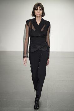 Antonio Berardi Spring 2018 Ready-to-Wear Collection Photos - Vogue