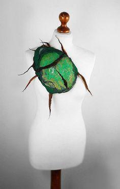 Felted Brooch BEETLE bug felt nuno Art Deco nunofelt por filcant