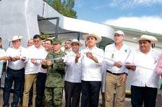 """""""Mi gobierno es eminentemente social"""", aseguró el gobernador de Michoacán durante la entrega de la obra en la cual se invirtieron 8 mdp; también cortó el listón de Hidroterapia del ..."""