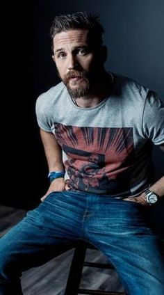 Handsome Tom Hardy of 'Legend' poses for a portrait at the 2015 Toronto Film Festival at the TIFF Bell Lightbox on September 2015 in Toronto, Ontario. Gorgeous Men, Beautiful People, Beautiful Smile, Mode Man, Toronto Film Festival, Charles Bronson, Outfits Hombre, Neue Outfits, Bearded Men