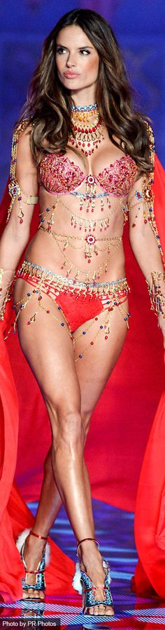 Alessandra Ambrosio – 2014 Victoria's Secret Fashion Show