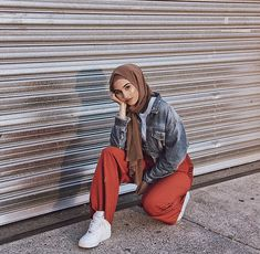 PINTEREST Telegei Islamic Fashion, Muslim Fashion, Modest Fashion, Korean Fashion, Fashion Outfits, Casual Hijab Outfit, Hijab Chic, Modern Hijab, Outfit Look