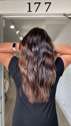 Honey Brown Hair, Brown Blonde Hair, Light Brown Hair, Balayage Hair Caramel, Balayage Highlights, Hair Color Balayage, Black Hair With Highlights, Hair Color For Black Hair, Curly Hair Baby
