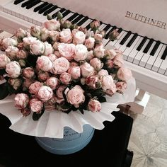 Discovered by Sharon. Find images and videos about pink, flowers and rose on We Heart It - the app to get lost in what you love. Tulpen Arrangements, Floral Arrangements, Flower Aesthetic, Pink Aesthetic, Flower Boxes, My Flower, Bouquet Box, Bloom Where You Are Planted, Luxury Flowers