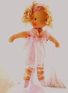 Wow....  Waldorf doll  Poupée puppe