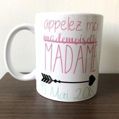 Mug en céramique personnalisé Chaque mug est décoré à la commande, vous pouvez donc demander (AVANT de passer commande) l'élaboration de votre motif. Les couleurs peuvent légèrement varier d'une réalisation à l'autre Des accessoires assortis sont disponibles en boutique Contena