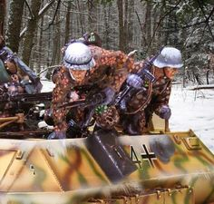 WORLD WAR II GERMAN WINTER CS00653 HANOMAG JUMPERS - Price: $69.90  Collectors Showcase Military Miniatures and Models. Factory made, hand assembled, painted and boxed in a padded decorative box. Excellent gift for the enthusiast.