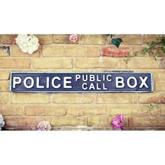 Police sign Dr Who Gifts pubic phone box blue tardis Teenage Bedrooms, Bedroom Decor For Teen Girls, Carnaby Street, London Street, Vintage Walls, Vintage Signs, Camden Square, Police Sign, Bethnal Green
