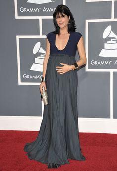pregnant selma blair at the grammy's