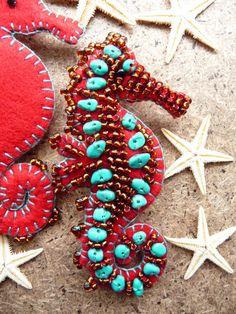 ES719/091 Beside The Seaside Theme - Sea Horse Handmade Felt Brooch - Red