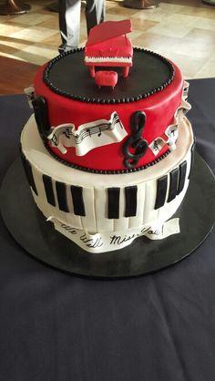 Piano  cake                                                                                                                                                      Más