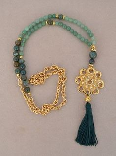 Collar realizado en piedras naturales con bolas de Aventurina y Agata india. Abalorios en zamak con baño oro. de vithrashop en Etsy