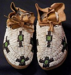 Mint Antique Native American Sioux Childs Fully Beaded Moccasins Sinew Sewn
