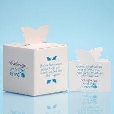 La scatolina porta confetti non si ferma mai. Grazie alle ali della tua generosità diventeranno dosi di vaccini che cambierà il destino di un bambino lontano. Il tuo box portaconfetti si trasformerà in 30 dosi di vaccini.