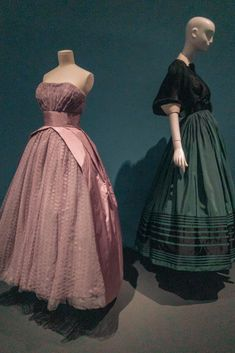 With each new dress, there's no doubt that these beautifully crafted garments completely justify Paris' history and position in the industry. American Entrepreneurs, Great Lengths, French Fashion, Fashion History, Dressmaking, Paris Fashion, New Dress, Nyc, Exhibit
