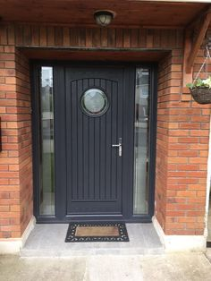 "Palladio Composite ""Viking"" Door in Anthracite Grey Traditional Front Doors, Front Doors With Windows, House Front, House Doors, Best Front Doors, Modern Front Porches, Porch Extension, Garage Door Design, Composite Front Door"