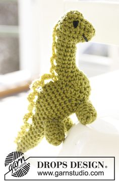 Crochet DROPS dinosaur freebie