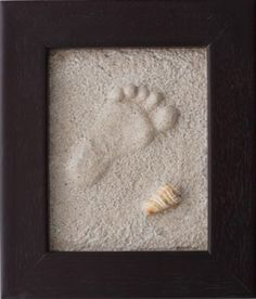 How to make foot prints in the sand and keep it. Love it! Door sharonnetjes