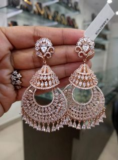 Diamond Earrings Indian, American Diamond Jewellery, Indian Jewelry Earrings, Jewelry Design Earrings, Gold Earrings Designs, Ear Jewelry, Fancy Earrings, Diamond Dangle Earrings, American Jewelry