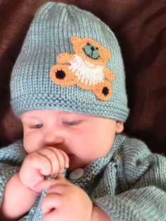 hand knitted baby hat for 0-3 months old baby boy or by olinnell