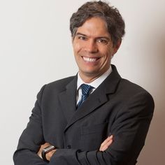 Ricardo Amorim palestra na 2ª edição do Ebulição Instantânea em São Paulo, que conta com palestrantes renomados