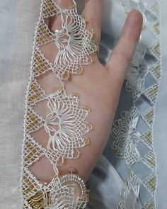 Lace Making, Bangles, Bracelets, How To Make, Jewelry, Flower Arrangements, Lace, Jewlery, Jewels