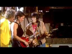 ROD STEWART & RON WOOD - Maggie May (Live At Royal Albert Hall). Love this performance.