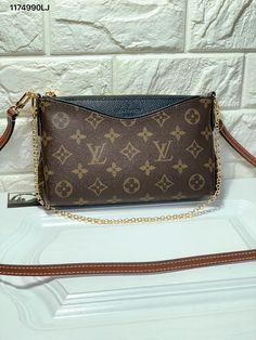 d3f06863670c8 Louis Vuitton lv woman Pallas small cross body shoulder bag monogram  pochette