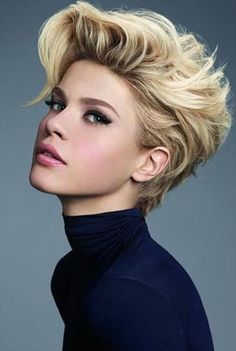 Wanna be cool on street fashion?Try these messy short pixie haircut design - Comfortable Life Archives Girls Short Haircuts, Short Hairstyles For Thick Hair, Short Brown Hair, Short Wavy, Short Blonde, Pixie Hairstyles, Short Hair Cuts, Curly Hair Styles, Cool Hairstyles