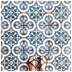 Decorating your floor with ceramics can add a much-needed pop of color to your home. Ceramic tiles and quite affordable and give your home an elegant and unique touch without drowning out other are… Floor Patterns, Tile Patterns, Print Patterns, Floor Design, Tile Design, Buy Tile, Modern Flooring, Bohemian House, Color Tile
