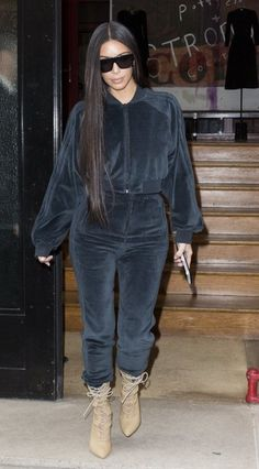 Kim Kardashian Photos Photos - Reality TV star Kim Kardashian was seen shopping at Azzedine Alaia and Hermes in Paris, France on October 1,  2016. - Kim Kardashian Goes Shopping In Paris