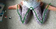 Etre assis enforme de W, comme on peut le voir sur la photo, est une position assise fréquente chez les enfants, et ils peuvent passer des heures et des heures dans cette position, tout en jouant. Cependant, cette position entraîne des problèmes que la plupart des gens ne comprennent pas. De plus, s'asseoircomme çapeut créer …