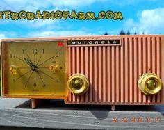 PRETTY In Pink Retro Jetsons 1956 Motorola 57CF Tube AM Clock Radio Works!