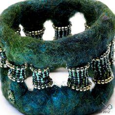Textile Cuff Bracelet No. 37 Black Purple Wet Felt with Merino Wool Silk Mohair Pinned by @Manaro Design  Jewelry | Beading | Bracelet | Necklace | Earrings