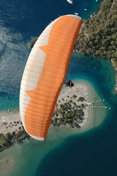 Enjoy breathtaking tandem Oludeniz paragliding flight with experienced pilot. Babadag mountain Fethiye paragliding in Olu Deniz Turkey. Republic Of Turkey, Seaside Beach, Paragliding, All Nature, Destinations, Famous Places, What A Wonderful World, Blue Lagoon, Istanbul Turkey