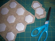 How to make your own plastic hexagon template template jos version of english paper piecing pronofoot35fo Images