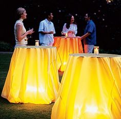 Arte del ricevere: le belle idee che si trovano su Pinterest. Lights under the table at an evening outdoor reception