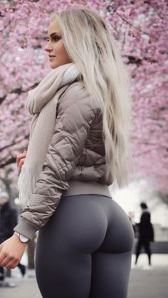 "theyogapantscollection: ""Anna Nyström """