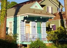 New Orleans: Riverbend: cottage, morning - source http://vacationrentals.bg/new-orleans-riverbend-cottage-morning/  by  #condo #chalets #cottage