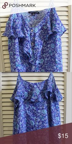 American Eagle Flower Patterned Spaghetti Strap Size Small, Blue, Flowers, Spaghetti Strap, light material American Eagle Outfitters Tops Crop Tops