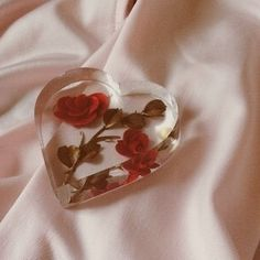 Image shared by meylinsweet. Find images and videos about vintage, grunge and aesthetic on We Heart It - the app to get lost in what you love. Valentine Love, Valentines, Christa Renz, Lizzie Hearts, Cherry Wine, Red Aesthetic, Aesthetic Vintage, Aphrodite, Girly